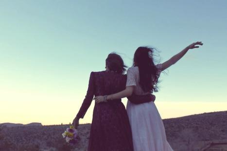 girlfriends-338449_1920